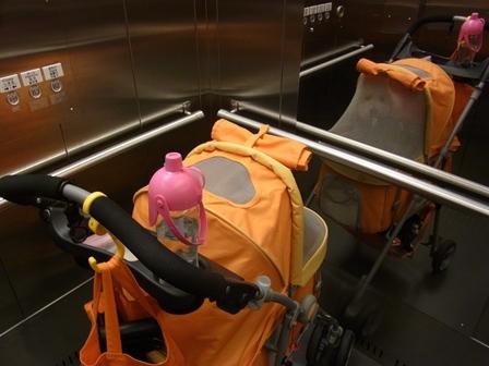 地下鉄エレベーター