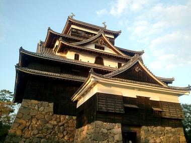 松江城見なおした!w