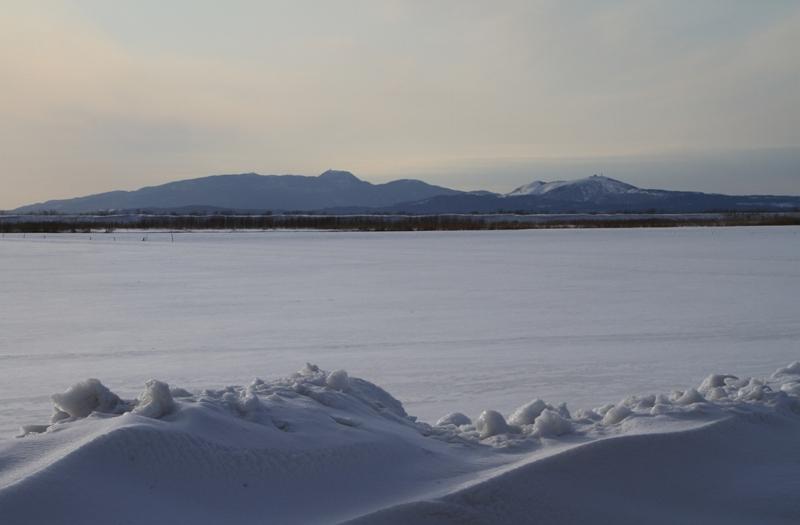寒風山を望む
