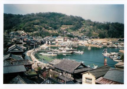 真鍋島全景