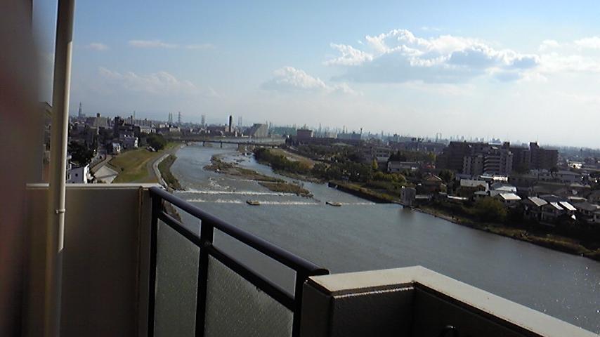 眺望が良くて、川が見える物件