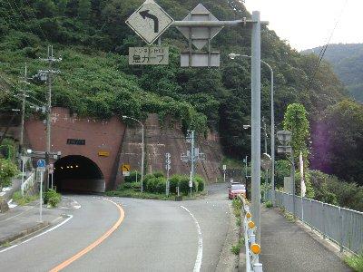 笠置トンネル側道-1