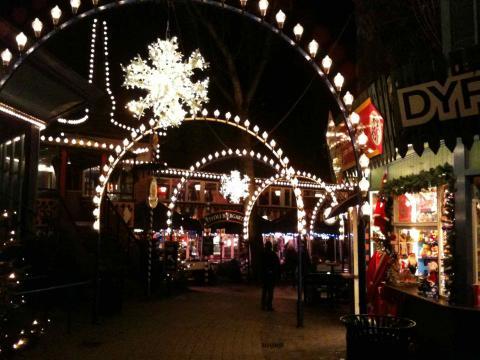 DK_Christmas_1.jpg