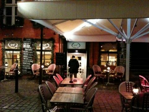 DK_Dec2011_06.jpg