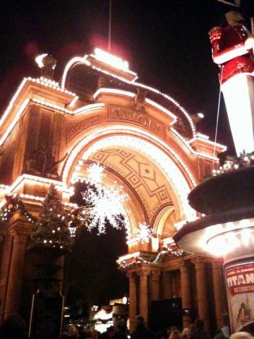 Tivoli_FW_Dec2011_02.jpg