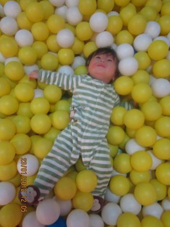 Trei+in+Balls+004_convert_20120124051325.jpg
