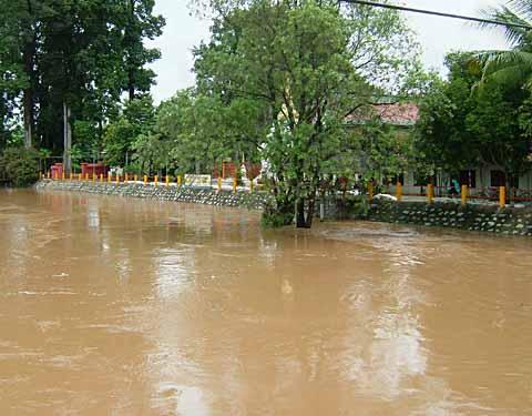 あと2mで浸水が始まるお寺