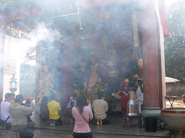 タイのお寺の観音様
