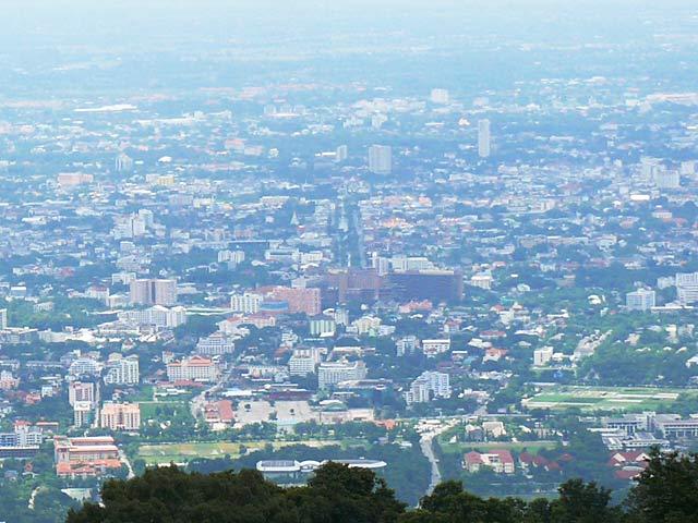 チェンマイの町を見下ろす