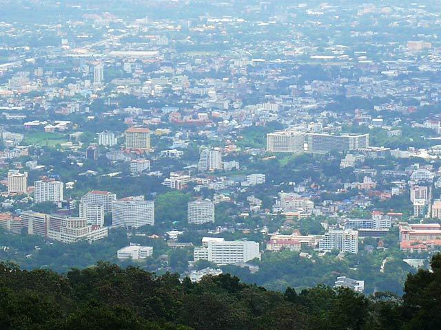 チェンマイの町を見下ろす(2)
