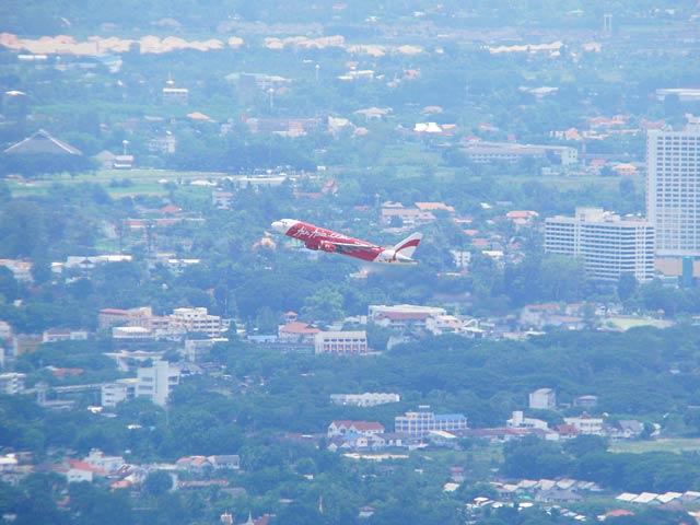 AIRASIA機の離陸