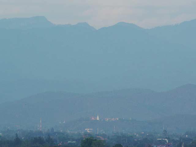 ドイサケット寺が見えました