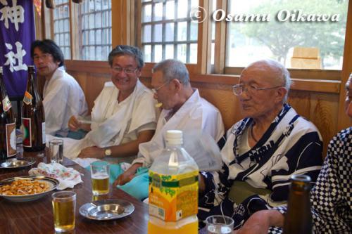 福島大神宮渡御祭 月崎神社にて 直会 2012