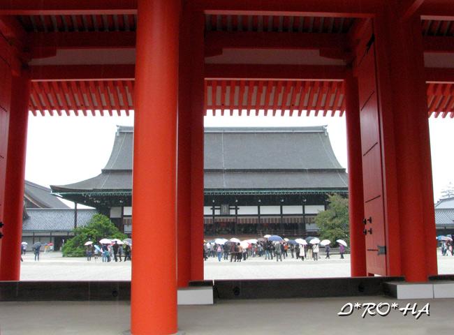 承明門から紫宸殿