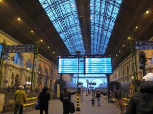 ブダペストの駅のホーム