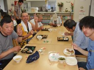 お祭り弁当(300x225)