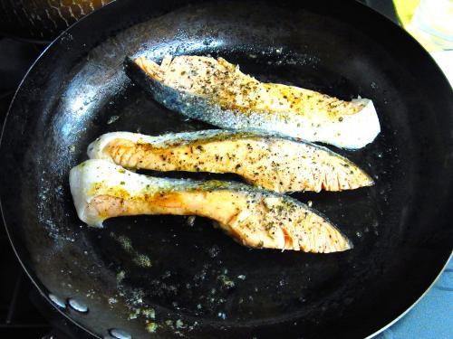 140211-211銀鮭のガーリックマーガリン焼き(S)