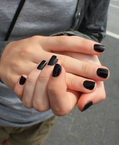black-nail-polish.png