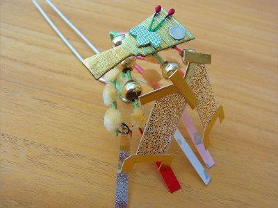 金銀のまねきに羽子板のかんざし。京のおみやげにいかがですか?