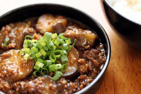 麻婆茄子丼弁当