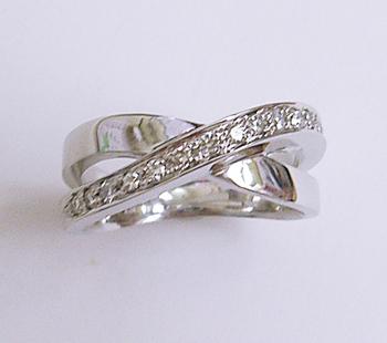 $沖縄で婚約&結婚指輪の上手な見つけ方-沖縄 結婚指輪 婚約指輪 011