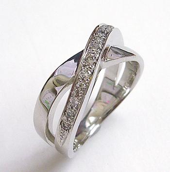 $沖縄で婚約&結婚指輪の上手な見つけ方-沖縄 結婚指輪 婚約指輪 0111