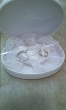 沖縄で婚約&結婚指輪の上手な見つけ方-100424_1606~01.jpg