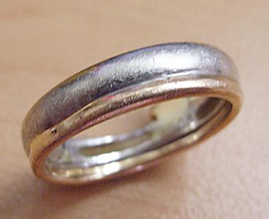$沖縄で婚約&結婚指輪の上手な見つけ方-結婚指輪