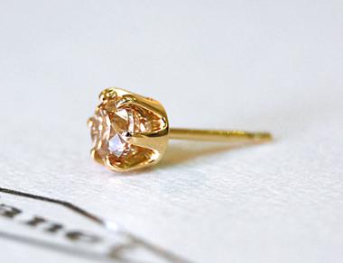 $結婚指輪&婚約指輪の沖縄で上手な見つけ方-メンズジュエリー ピアス ダイヤモンド ゴールド