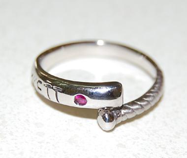 $結婚指輪&婚約指輪の沖縄で上手な見つけ方-結婚指輪 婚約指輪 沖縄 野球