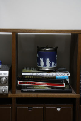 shelf_middle.jpg