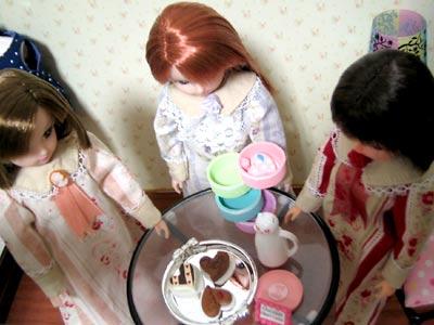 チョコレートを囲んで。
