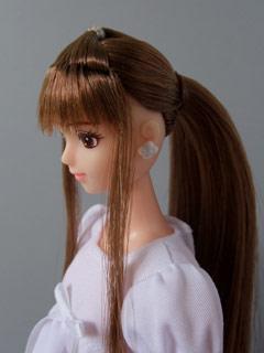 リナ、サイドの植毛