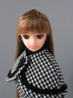 リナ、ジャンパースカート