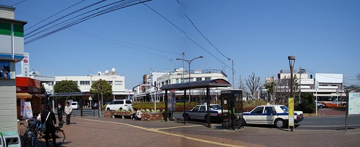 2011_0405_125746-DSC02438 パノラマ写真・江戸川台駅前