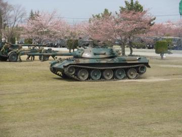 20100411自衛隊花見4