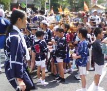 セラミックのブログ-深川八幡祭り・子供神輿