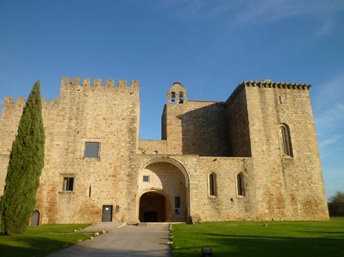 14世紀に建設された薔薇の花修道院