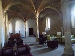 修道院を改築したサロンルーム