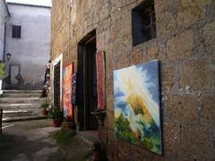 旧市街にあるアーティストの店
