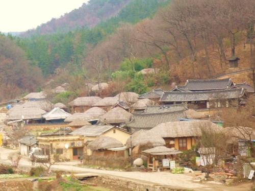 10月城良洞村は素朴な雰囲気が残っています