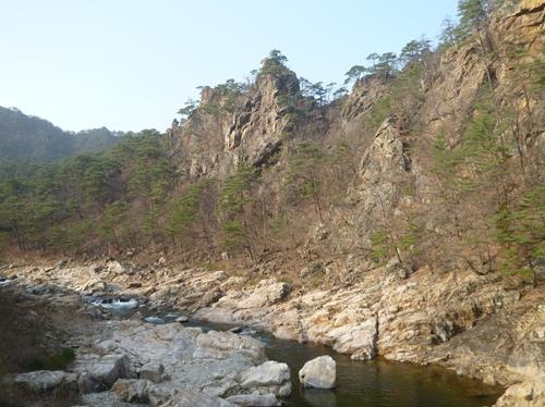 韓国随一の景勝地仏影寺渓谷