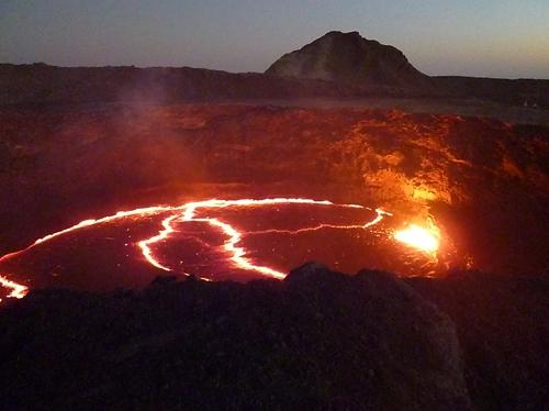 エルタアレ 活火山