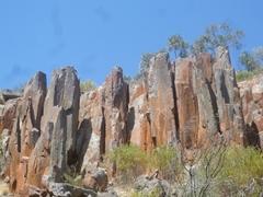 15億万年前の葉巻型の岩