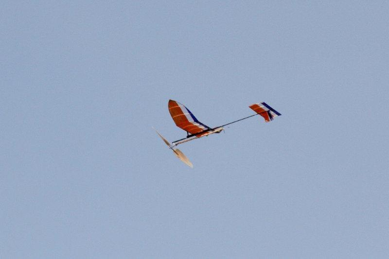 IMG_0447ゴム動力飛行機