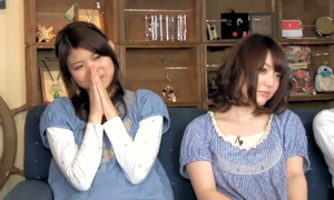 映像を見終わって放心状態の花澤さん(左は早見沙織)。レイプ目になってます