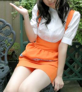 アンナミラーズの制服(オレンジ)