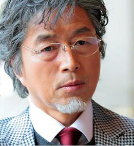 秋葉の父役の中村雅俊