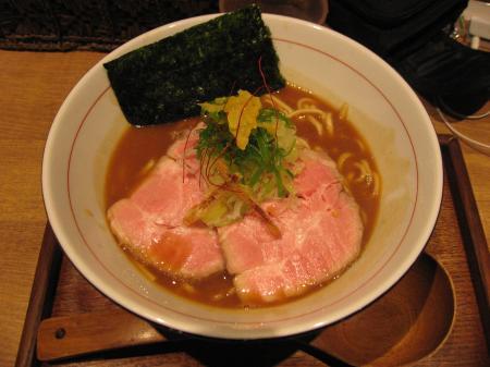濃厚煮干白湯