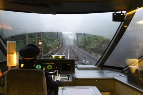 371系前の運転席